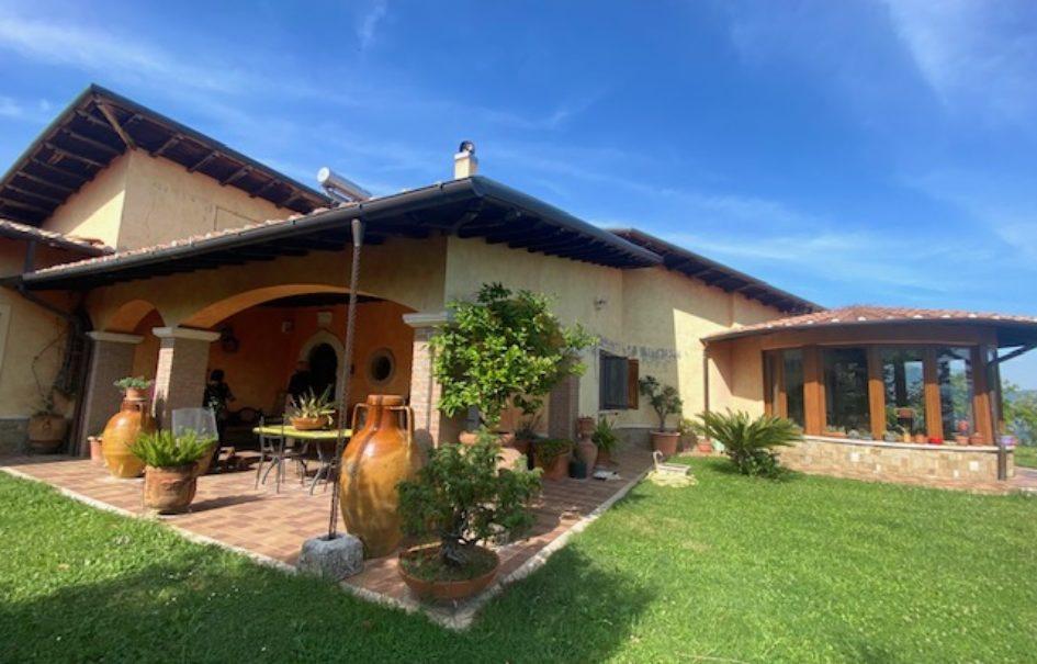 Villa unifamiliare in posizione panoramica